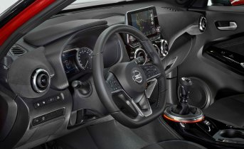New Nissan JUKE Interior 02